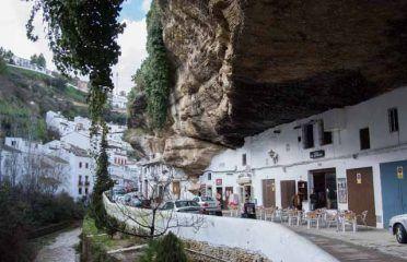 Häuser im Felsen