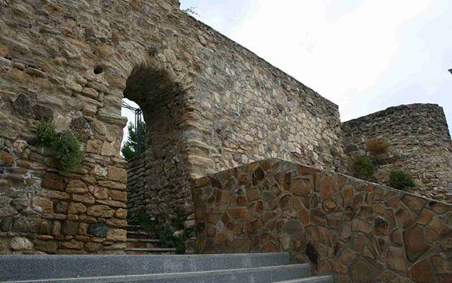 Castillo del Cementerio & Murallas Fortaleza Nazarí