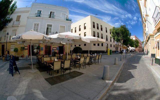 Plaza del Mentidero