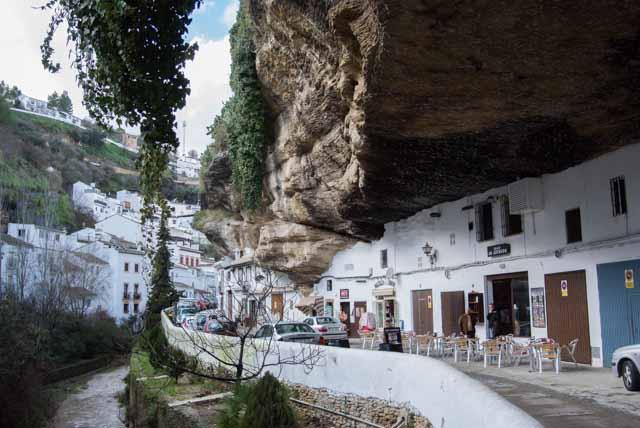 Casas-en-la-roca-Setenil-de-las-Bodegas-cadiz-cultura-002