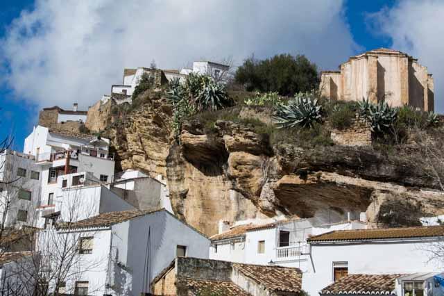 Casas-en-la-roca-Setenil-de-las-Bodegas-cadiz-cultura-004