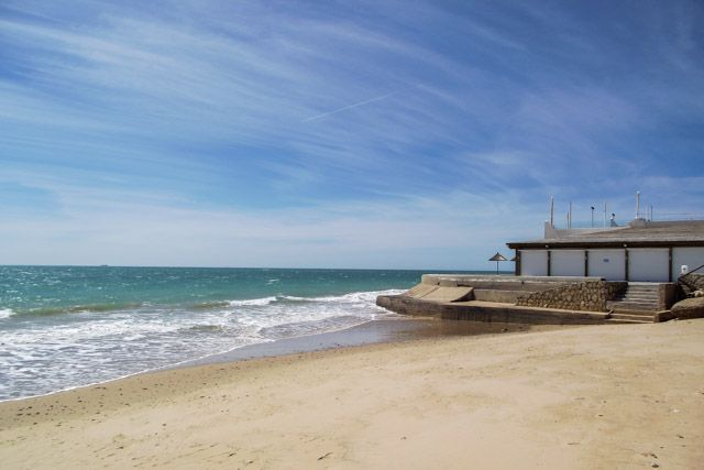 Playa de Piedras Gordas / La Almadraba