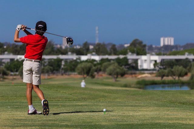 Villanueva Golf es un club situado en plena Bahía de Cádiz (Puerto Real) que cuenta con un campo de 18 hoyos par 72 con calles amplias y diseño atractivo.
