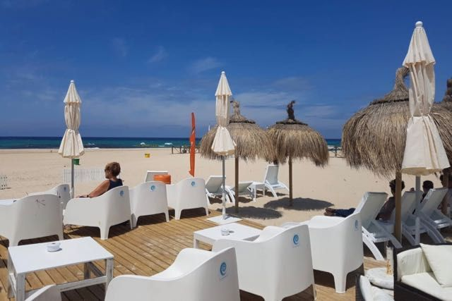 El Chiringuito Lounge – Beach Restaurant