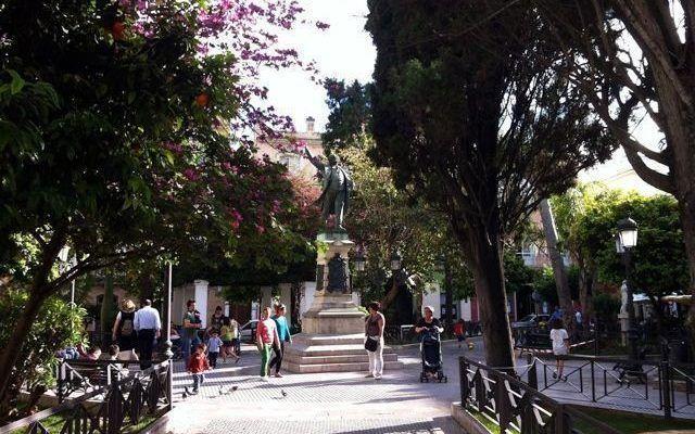 Plaza de Candelaria & Monumento a Castelar