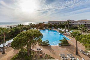 El Valentín Sancti Petri Hotel-Spa & Centro de Convenciones es un impresionante Resort de 4* ubicado en Novo Sancti Petri y la Playa La Barrosa.